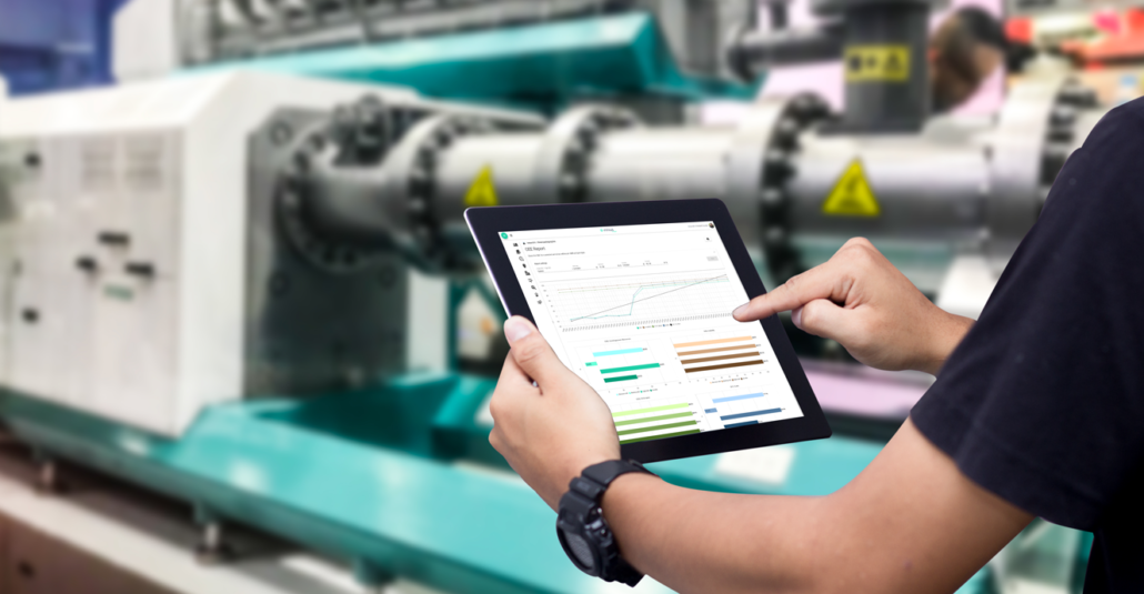Plant manager using Innius on a tablet